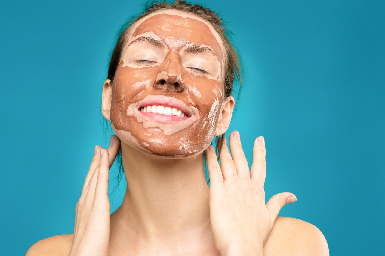 Glinki do twarzy – na co działają maseczki z glinką?
