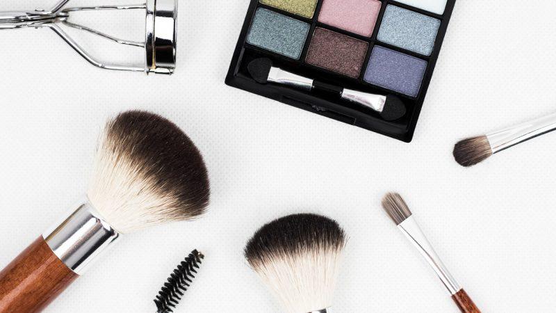Hipnotyzujące spojrzenie – sprawdzone triki w makijażu oka!
